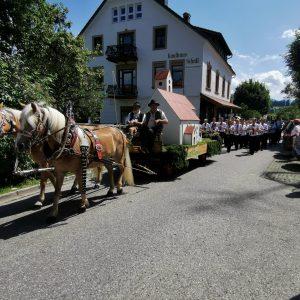 Von dort aus startete der Umzug durch Mittelberg.